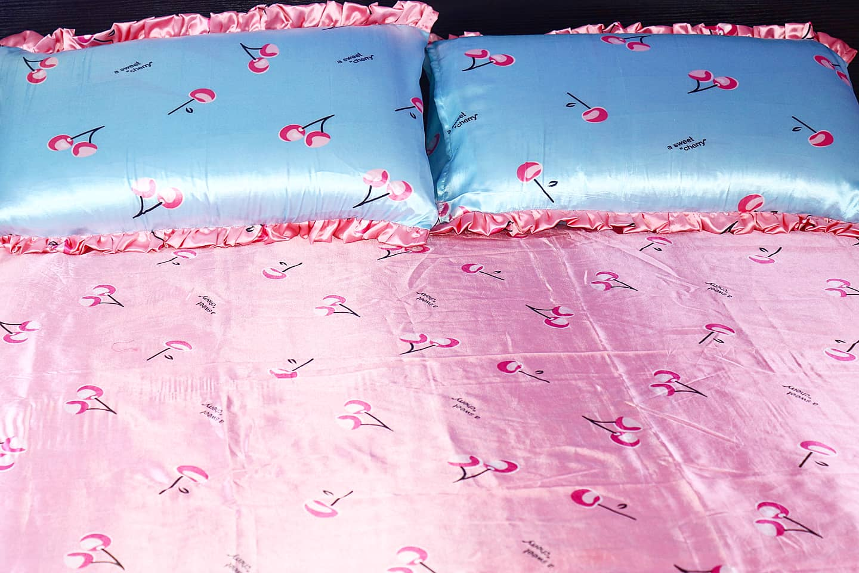 Satin Bedsheet & Matching Pillowcases. 4by6 (DESIGN 8)